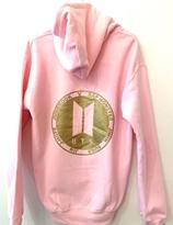 BTS Hoody - rosa med guld logo på baksidan