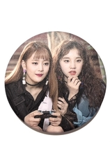(G)I-DLE  Badge - Yuqi & Minnie