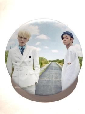BTS Badge - SUGA & V