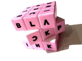 BLACKPINK  rubiks kub