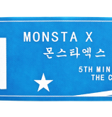 MONSTA   X   Banderoll